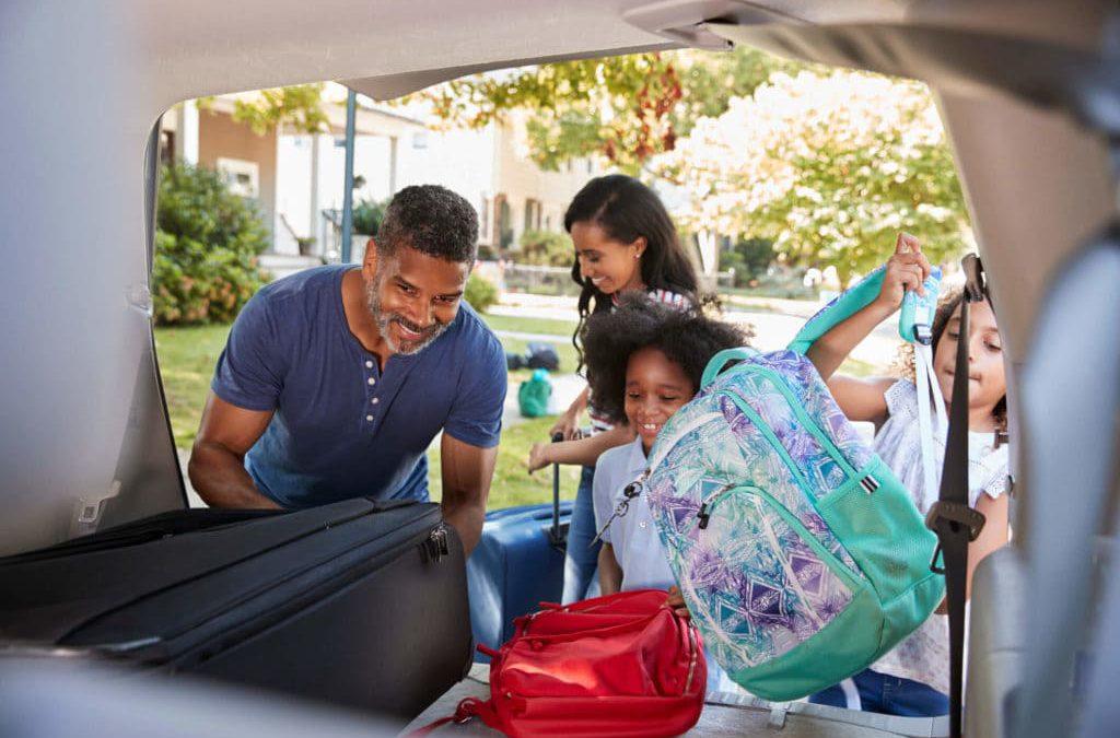 5 dicas de como economizar dinheiro para viajar em família no verão