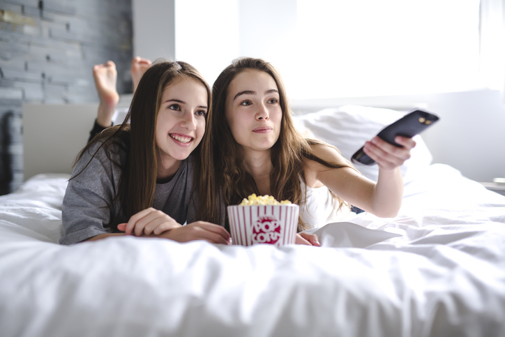 Veja as 5 melhores séries da Netflix para adolescentes