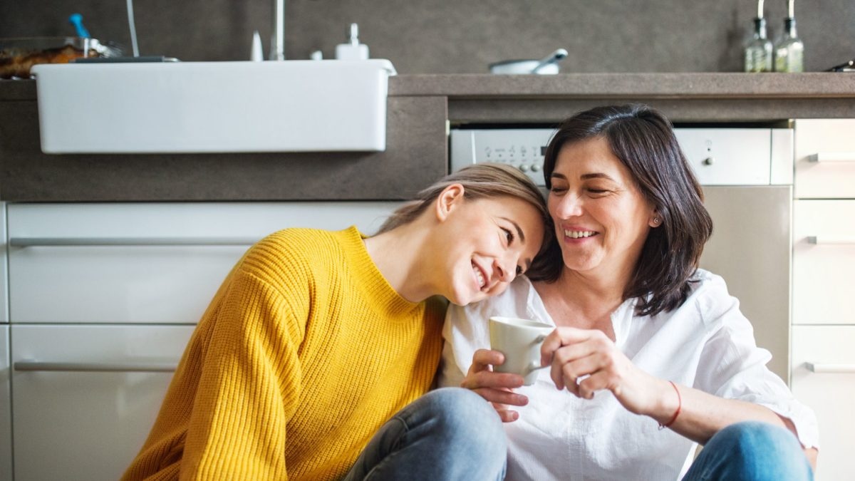 Como educar os filhos na adolescência? Confira 4 dicas!