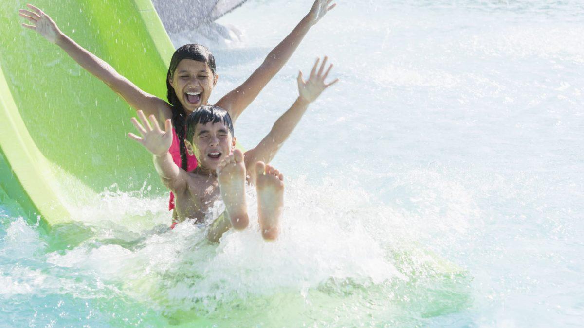 Vale a pena ir a um parque aquático? Conheça 4 motivos!